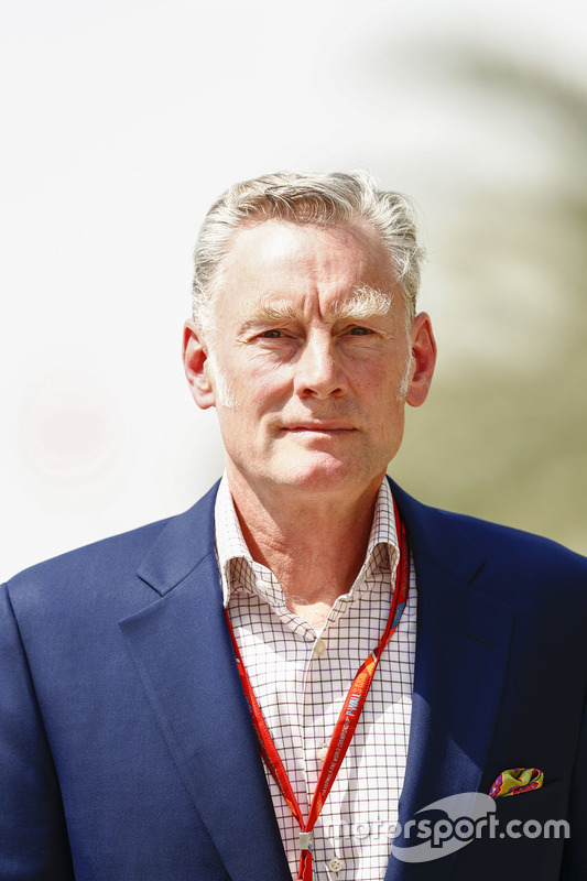 شون براتشز، المدير العام للعمليات التجارية