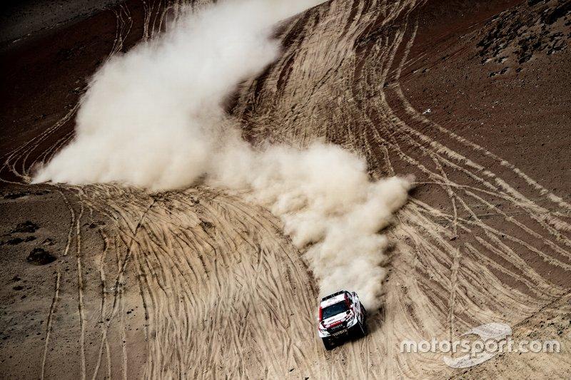 #302 Toyota Gazoo Racing Toyota Hilux: Жиньель де Вильерс, Дирк фон Зитцевиц