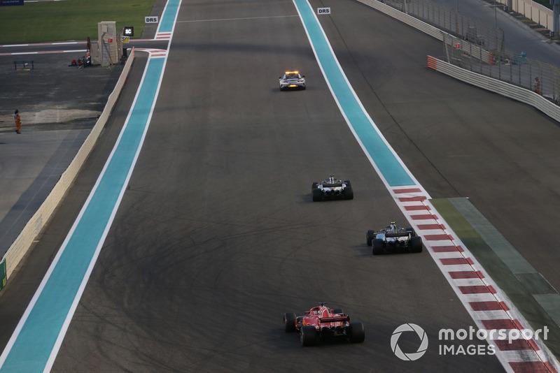 Льюіс Хемілтон, Валттері Боттас, Mercedes AMG F1 W09, Себастьян Феттель, Ferrari SF71H