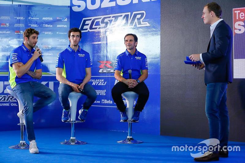 Andrea Iannone, Alex Rins und Davide Brivio, Teammanager, Suzuki MotoGP