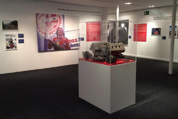 Gli scatti della mostra e il V6 turbo della Ferrari 126 CK di Gilles Villeneuve