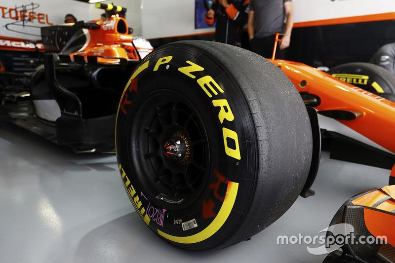 The car of Stoffel Vandoorne, McLaren MCL32