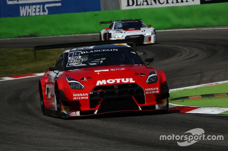#22 Team RJN-Motorsport, Nissan GT-R Nismo GT3: Matthew Simmons, Matthew Perry, Struan Moore