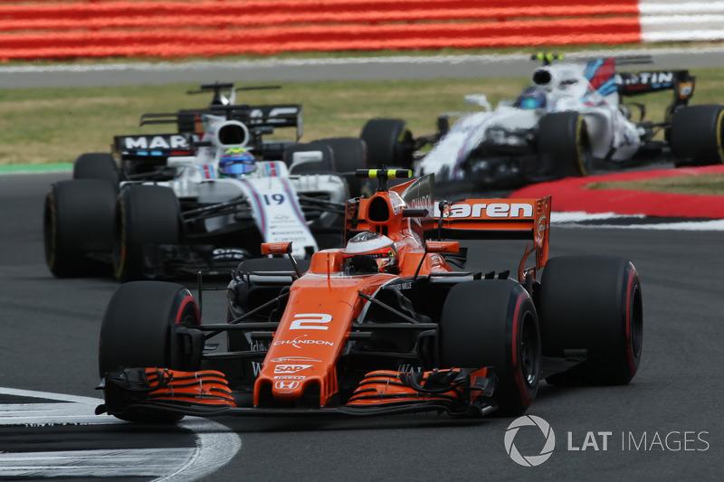 Stoffel Vandoorne, McLaren MCL32, Felipe Massa, Williams FW40, Romain Grosjean, Haas F1 Team VF-17, Lance Stroll, Williams FW40