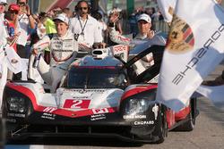 Vainqueurs : #2 Porsche Team Porsche 919 Hybrid: Timo Bernhard, Earl Bamber, Brendon Hartley