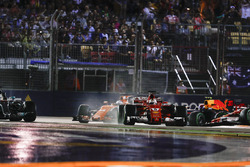 Sebastian Vettel, Ferrari SF70H, Lewis Hamilton, Mercedes AMG F1 W08, Fernando Alonso, McLaren MCL32, Max Verstappen, Red Bull Racing RB13