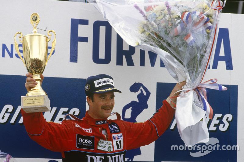 По итогам девяти первых Гран При больше всего побед было у Найджела Мэнселла – четыре. Но стабильный Прост уступал британцу всего четыре очка, а Сенна – девять