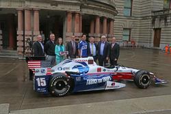 Anuncio de Indycar de Portland en  City Hall