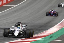 Felipe Massa, Williams FW40, Carlos Sainz Jr., Scuderia Scuderia Toro Rosso STR12
