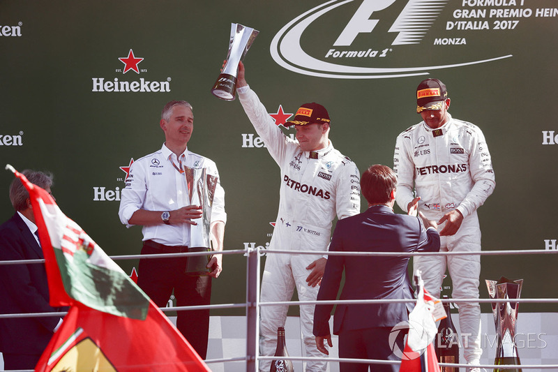 Second place Valtteri Bottas, Mercedes AMG F1, Race winner Lewis Hamilton, Mercedes AMG F1, receive their trophies