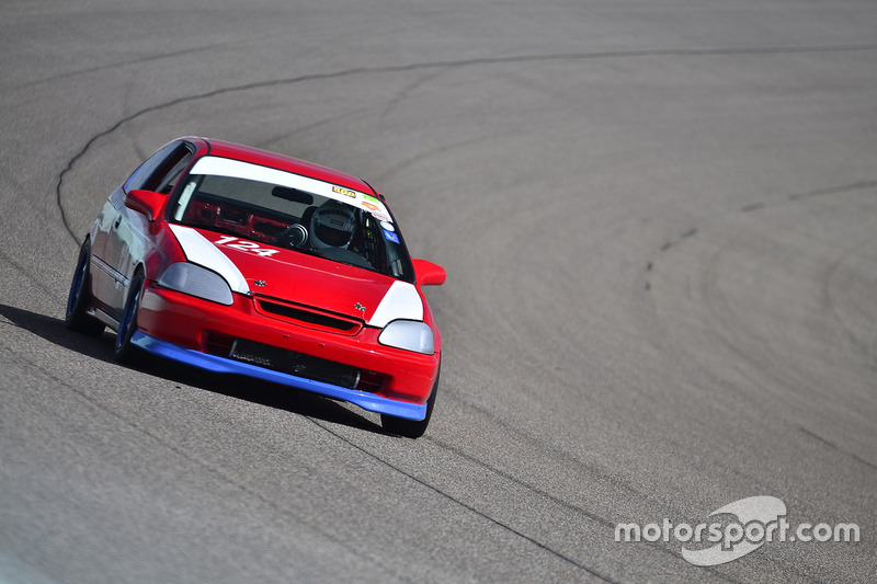 #124 MP4C Honda Civic driven by Julio Torres of Guardia Racing Team