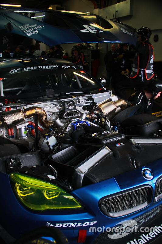 #101 Walkenhorst Motorsport powered by Dunlop, BMW M6 GT3:Matias Henkola Finnland, Kazunori Yamauchi