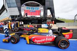 Die Autos von Oliver Rowland, MP Motorsport; Pierre Gasly, Prema Racing; Antonio Giovinazzi, Prema R