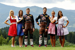 Daniel Ricciardo, Red Bull Racing, Max Verstappen, Red Bull Racing with Formula Una girls