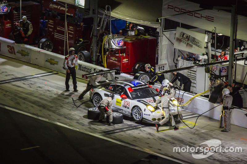 #912 Porsche Team North America, Porsche 911 RSR: Michael Christensen, Earl Bamber, Frédéric Makowiecki