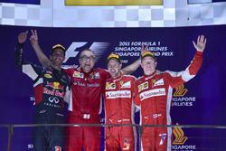 Podio: il vincitore della gara Sebastian Vettel, Ferrari, il secondo classificato Daniel Ricciardo, Red Bull Racing, il terzo classificato Kimi Raikkonen, Ferrari