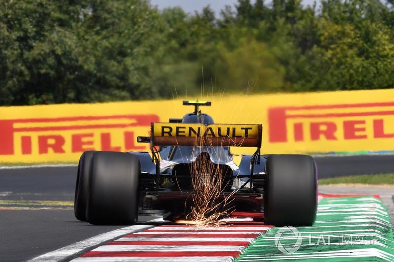 Carlos Sainz Jr., Renault Sport F1 Team R.S. 18 sparks