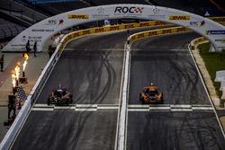 Tom Kristensen e Juan Pablo Montoya alla guida della ROC Car