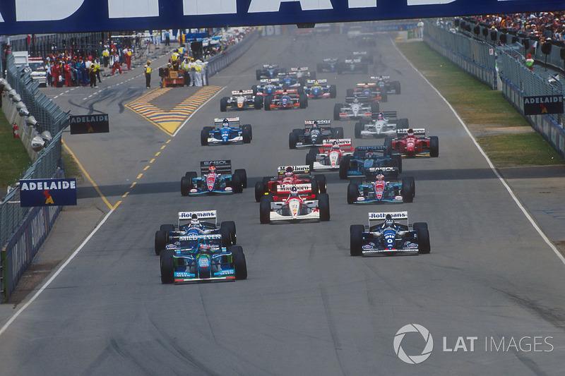 Start: Schumacher is beter weg dan polesitter Mansell