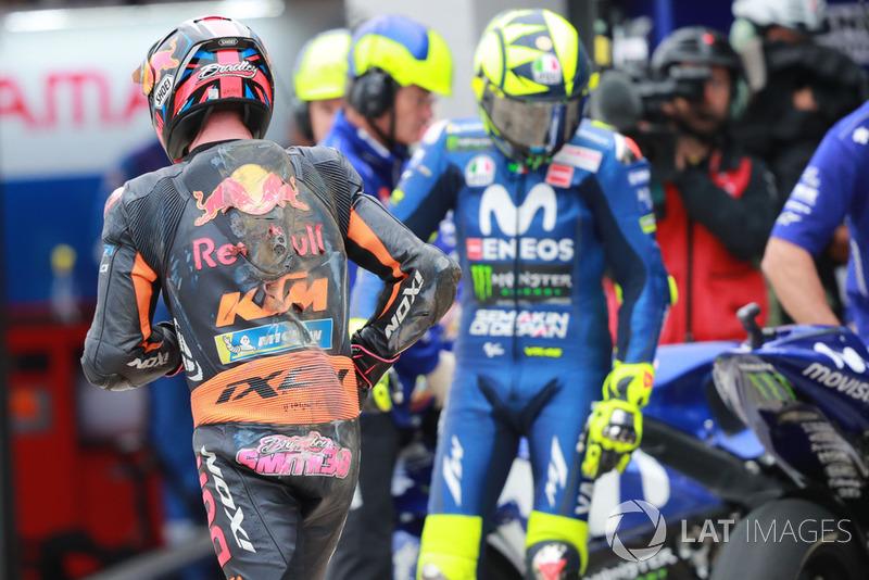 Bradley Smith, Red Bull KTM Factory Racing, después de la caída