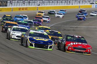 Chase Elliott, Hendrick Motorsports, Chevrolet Camaro NAPA Auto Parts, Kurt Busch, Stewart-Haas Racing, Ford Fusion Haas Automation