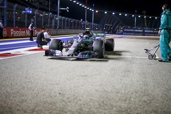 Valtteri Bottas, Mercedes-AMG F1 W09 sur la grille