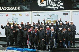 Ganadores #10 Konica Minolta Cadillac DPi-V.R.: Renger Van Der Zande, Jordan Taylor, Fernando Alonso, Kamui Kobayashi