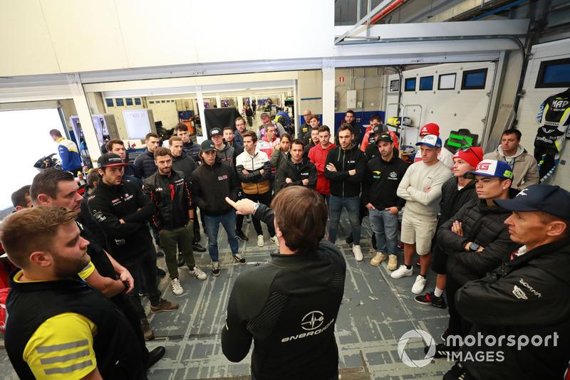 Reunión pilotos MotoE