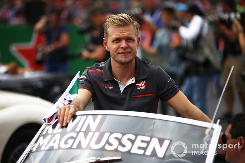 Kevin Magnussen, Haas F1 Team, in the drivers parade