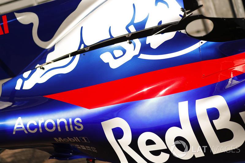 Кожух Scuderia Toro Rosso