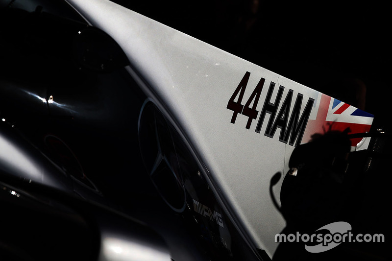 Larger driver name on the car of Lewis Hamilton, Mercedes AMG F1 W08