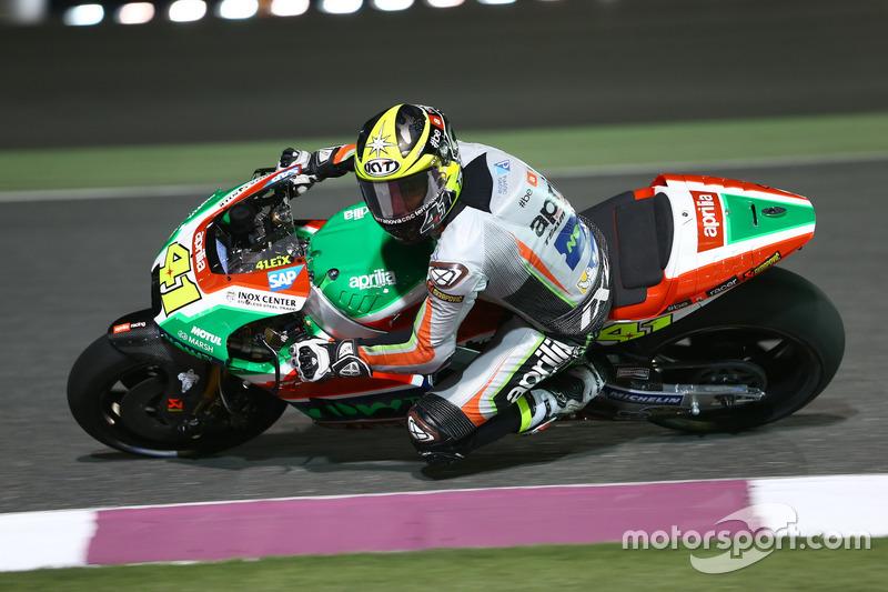 Aleix Espargaró con la RS-GP del equipo Aprilia Racing Team Gresini en Qatar