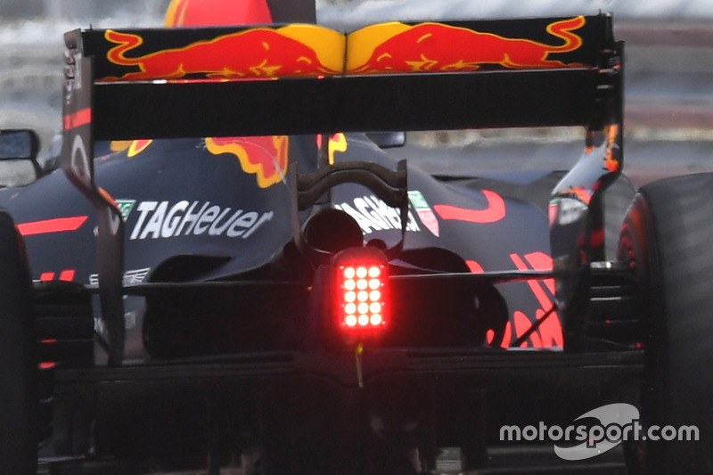 Заднее крыло Red Bull RB13
