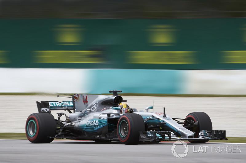 Lewis Hamilton foi ao pódio de Suzuka quatro vezes, com duas vitórias e dois terceiros. Não largou da pole duas vezes e registra apenas um abandono