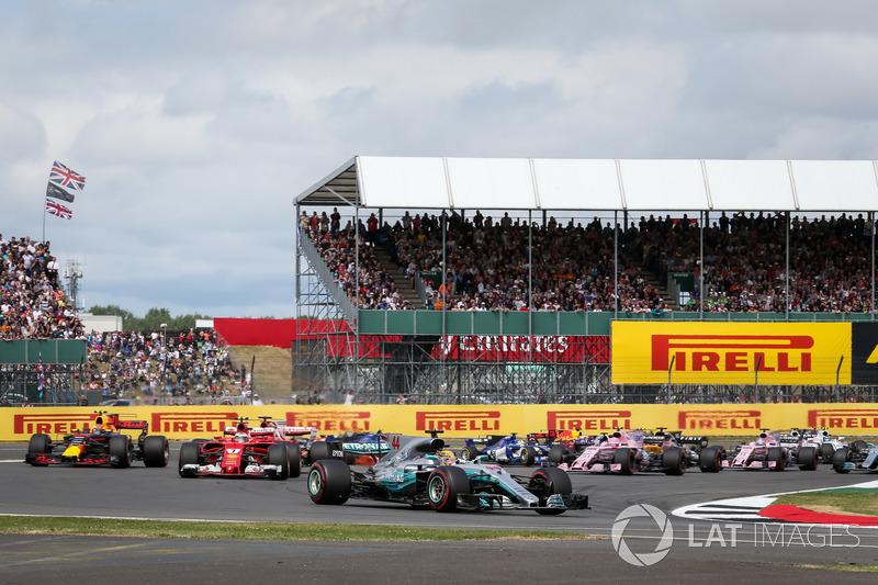 Льюіс Хемілтон, Mercedes-Benz F1 W08, і решт на старті