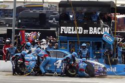 Aric Almirola, Richard Petty Motorsports Ford pit stop