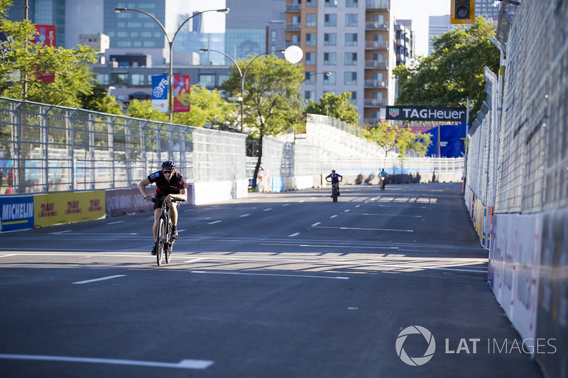 Venturi team en una carrera de bicis