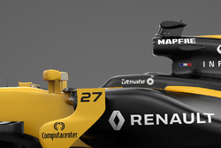 تفاصيل سيارة رينو آر.إس17