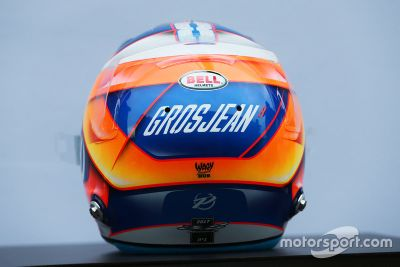 2017 F1 drivers helmets