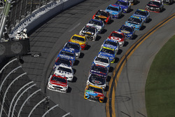 Ryan Blaney, Wood Brothers Racing Ford, Kyle Busch, Joe Gibbs Racing Toyota