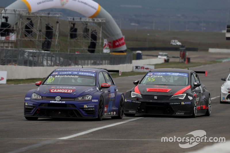 Gianni Morbidelli, West Coast Racing, Volkswagen Golf GTi TCR, Ferenc Ficza, Zele Racing, SEAT León TCR