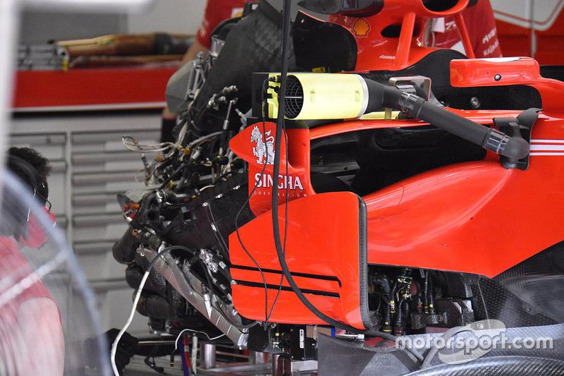 Детали внутри понтона Ferrari SF70H