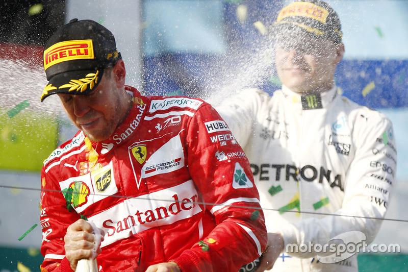 Podio: Sebastian Vettel, Ferrari, Valtteri Bottas, Mercedes AMG F1
