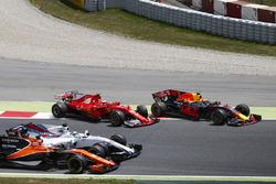 Kimi Raikkonen, Ferrari SF70H, Max Verstappen, Red Bull Racing RB13, rejoin the circuit as Felipe Massa, Williams FW40, Felipe Massa, Williams FW40, collide at the start