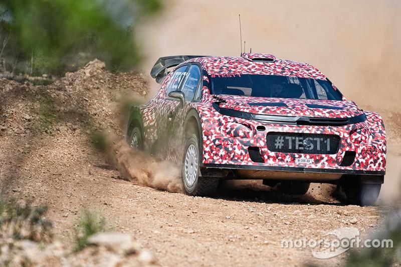 Kris Meeke tests Citroテォn C3 WRC 2017