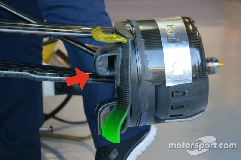 Sauber C35: Bremsbelüftung vorn
