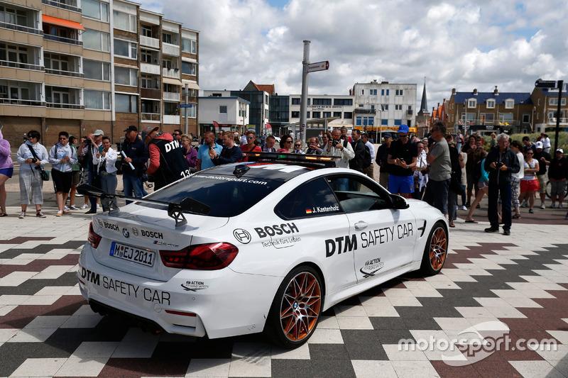 BMW M4 GTS DTM Safety Car.