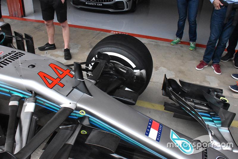 Детали передней части Mercedes F1 W09