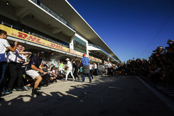 Niki Lauda, Non-Executive Chairman, Mercedes AMG F1, Lewis Hamilton, Mercedes AMG F1, Valtteri Bottas, Mercedes AMG F1 with the rest of the team as they celebrate Constructors' Championship victory