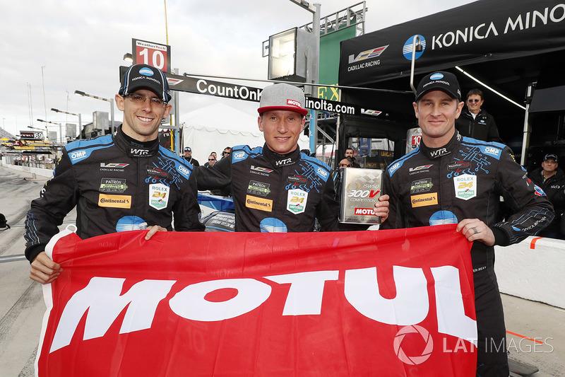 Ganadores de la pole #10 Wayne Taylor Racing Cadillac DPi, P: Renger van der Zande, Jordan Taylor, Ryan Hunter-Reay